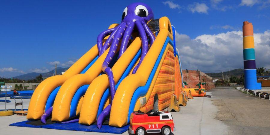 章魚充氣溜滑梯