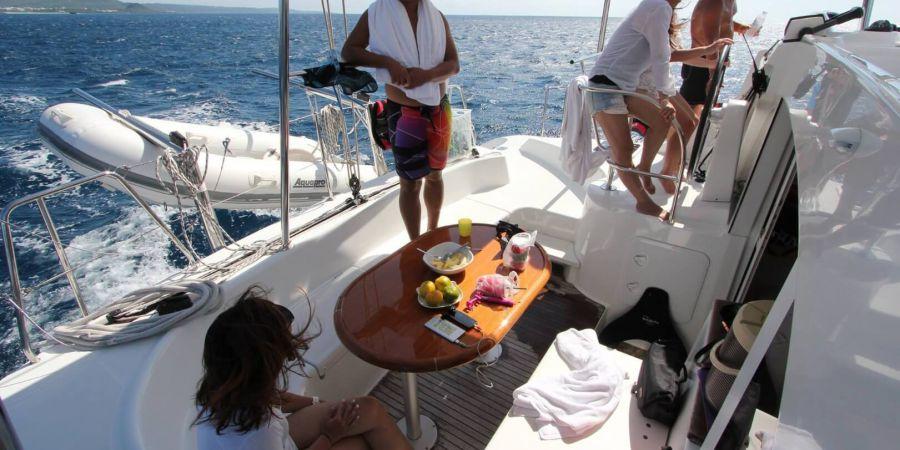 船上備有水果、冷飲